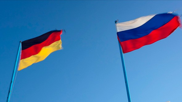 German-Russian-Flags-1.jpg